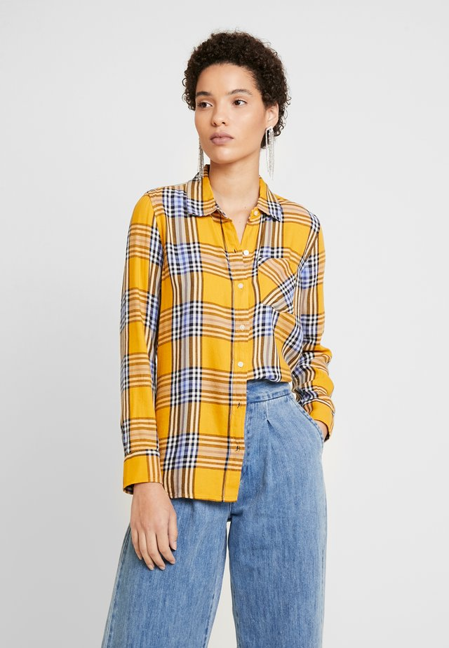 DRAPEY PLAID - Button-down blouse - gold