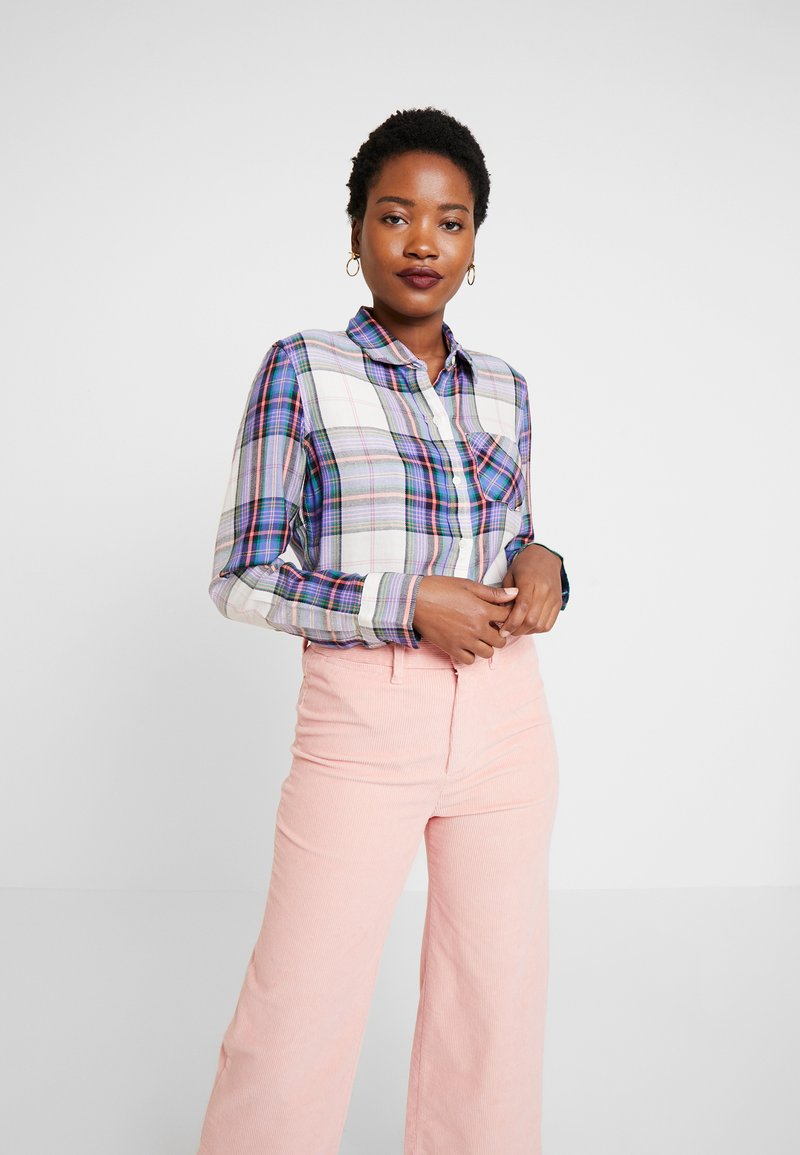 GAP - DRAPEY PLAID - Button-down blouse - lavender