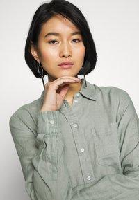 GAP - Button-down blouse - sage - 3