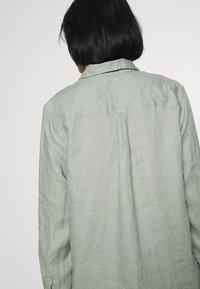 GAP - Button-down blouse - sage - 5