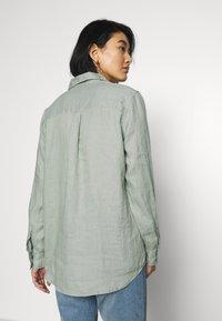 GAP - Button-down blouse - sage - 2