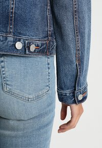 GAP - ICON - Jeansjakke - medium wash - 5