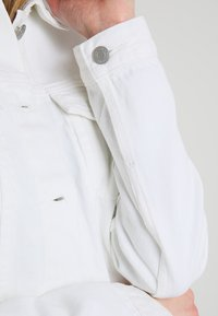 GAP - ICON SALT - Jeansjakke - white global - 6