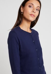 GAP - CREW CARDI - Kardigan - navy uniform - 4