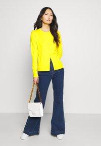 GAP - CREW CARDI - Cardigan - bold yellow - 1