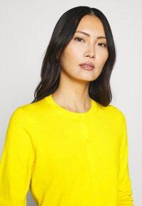 GAP - CREW CARDI - Cardigan - bold yellow - 3