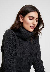 GAP - CABLE NECK  - Svetr - charcoal heather - 4