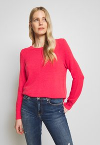 GAP - BROOKLYN CREW - Strikkegenser - neon hot lava - 0
