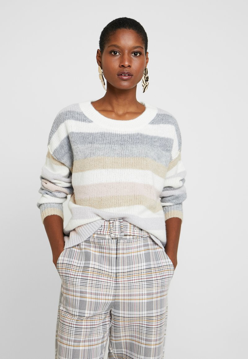 GAP - RELAXED CREW STRIPE - Jumper - offwhite