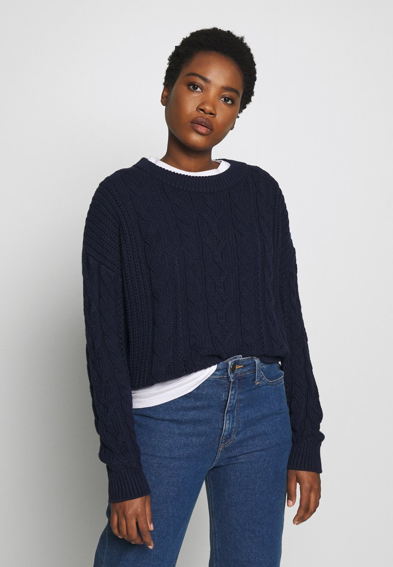 GAP - SLOUCHY CABLE CREW - Sweter - navy uniform