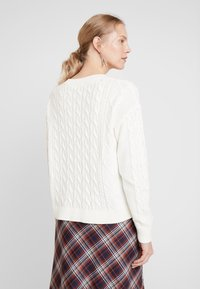 GAP - CABLE CREW - Jumper - snowflake milk - 2