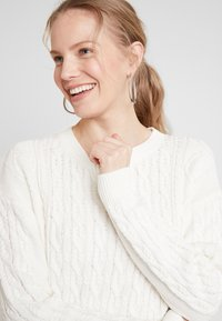 GAP - CABLE CREW - Jumper - snowflake milk - 4