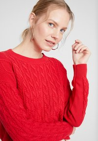 GAP - CABLE CREW - Sweter - modern red - 4