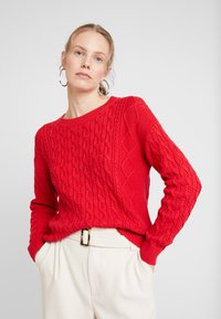 GAP - CABLE CREW - Sweter - modern red - 0