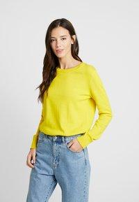 GAP - CREW - Sweter - bold yellow - 0