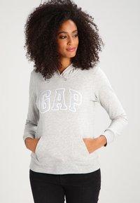 GAP - Bluza z kapturem - light heather grey - 0