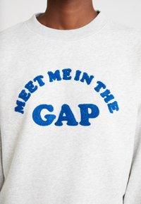 GAP - MEET ME PO - Sweatshirt - light heather grey - 5