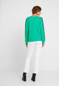 GAP - SHADOW - Sweatshirt - deluxe green - 2