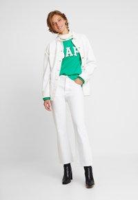 GAP - SHADOW - Sweatshirt - deluxe green - 1