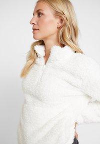 GAP - SHERPA HALFZIP - Fleece jumper - snowflake milk - 3