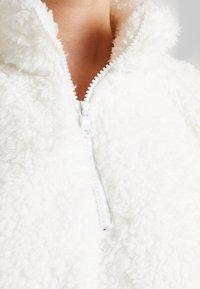 GAP - SHERPA HALFZIP - Fleece jumper - snowflake milk - 5