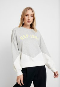 GAP - LOGO CROP - Bluza - grey heather - 0