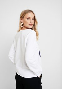 GAP - Sweatshirts - optic white - 2