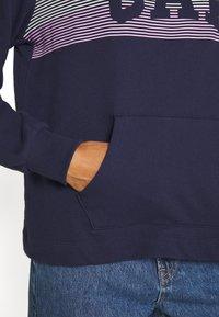 GAP - STRIPE - Bluza z kapturem - navy uniform - 5