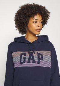 GAP - STRIPE - Bluza z kapturem - navy uniform - 3