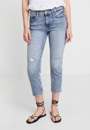 CHEEKY WAVE - Jeans a sigaretta - medium indigo