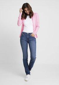 GAP - MED LEILA - Jeans straight leg - medium indigo - 1