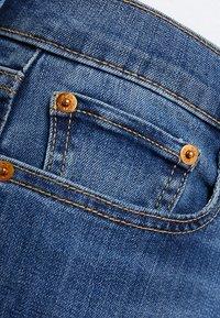 GAP - MED LEILA - Jeans straight leg - medium indigo - 3