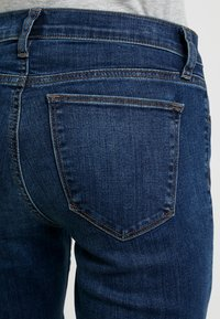 GAP - RICH - Jeans bootcut - dark indigo - 5