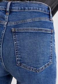 GAP - CIGARETTE TAKE ON ME - Jeansy Straight Leg - dark indigo - 4