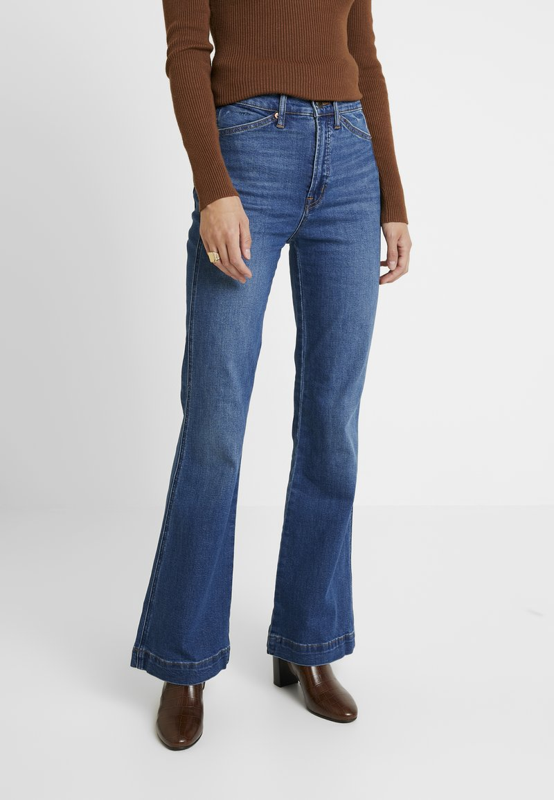 GAP - WORKWEAR BACKROAD - Flared Jeans - medium indigo