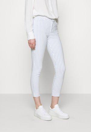 V-SKINNY ANKLE BISTRETCH - Pantalones - blue