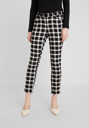 V-SKINNY ANKLE BISTRETCH - Trousers - black