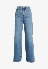 GAP - WIDE LEG SHORE - Široké džíny - medium indigo - 4