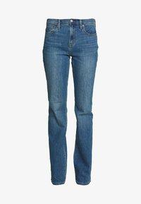 GAP - DUERO - Bootcut jeans - medium wash - 4
