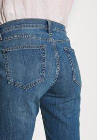 GAP - DUERO - Bootcut jeans - medium wash - 3