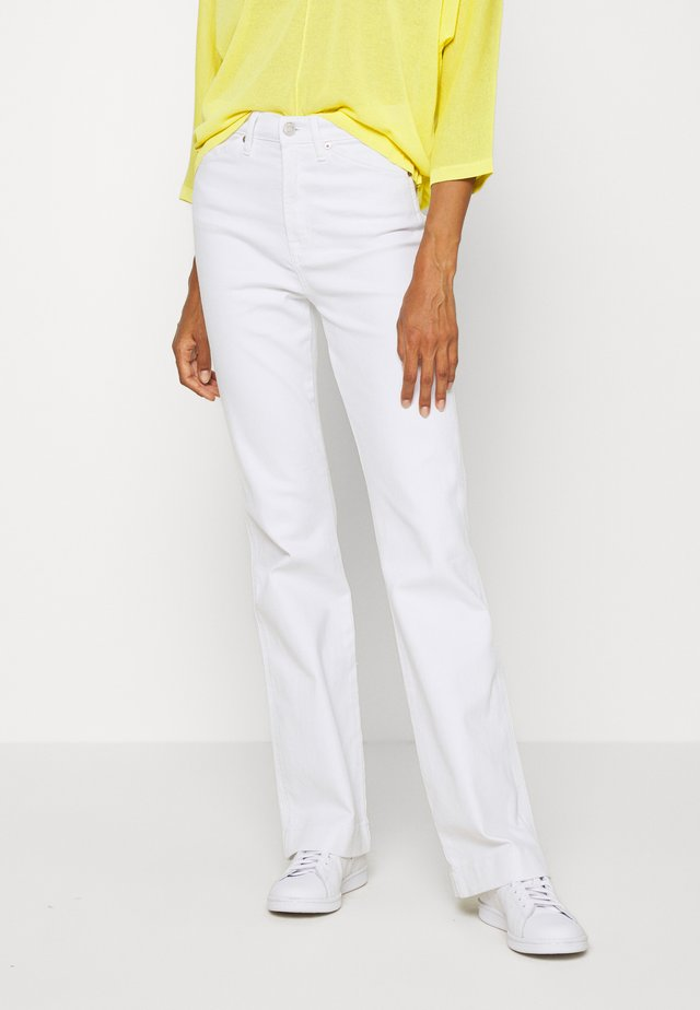 FLARE WORKWEAR - Jeansy Bootcut - optic white
