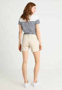 GAP - CITY - Shorts - anchorage cream - 2