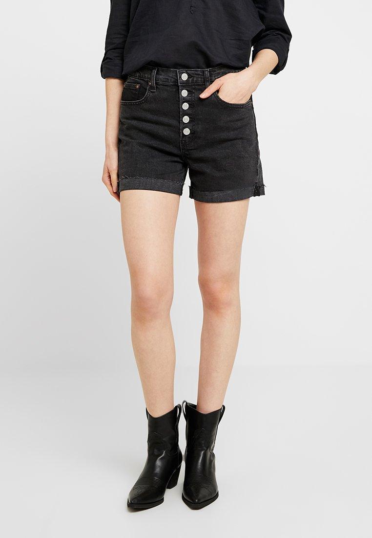 GAP - CUFF - Denim shorts - washed black