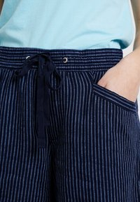 GAP - STRIPE PULL ON - Shorts - navy - 3