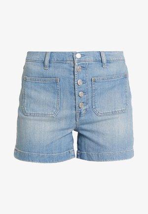 BTTNFLY SEAFARER - Shorts di jeans - medium wash