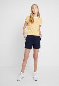 GAP - IN CITY  - Shorts - true indigo - 1