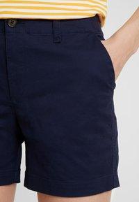 GAP - IN CITY  - Shorts - true indigo - 3