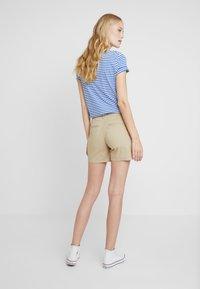 GAP - IN CITY  - Shorts - iconic khaki - 3
