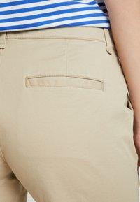 GAP - IN CITY  - Shorts - iconic khaki - 6
