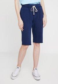 GAP - BERMUDA - Shorts - navy uniform - 0